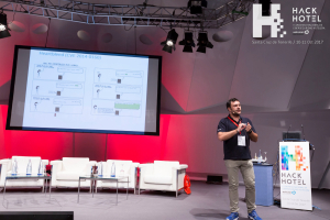 HackHotel 2017. Ponencia 'Entendiendo el ecosistema actual: nuestro Big Picture', con Chema Alonso y Pablo San Emeterio