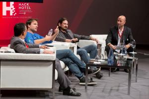 HackHotel 2017. Mesa coloquio 'Domótica, eficiencia y el ransomware del IoT'